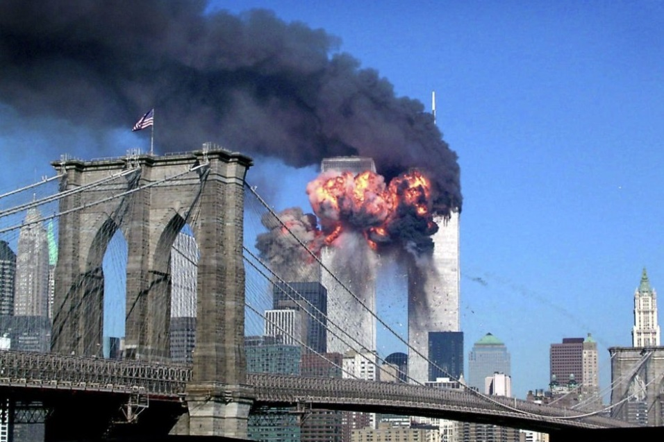 Momento en el que el vuelo de United Airlines 175 impacta contra el World Trade Center.