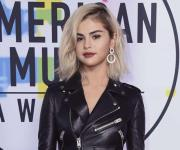 Llegan famosos a los American Music Awards