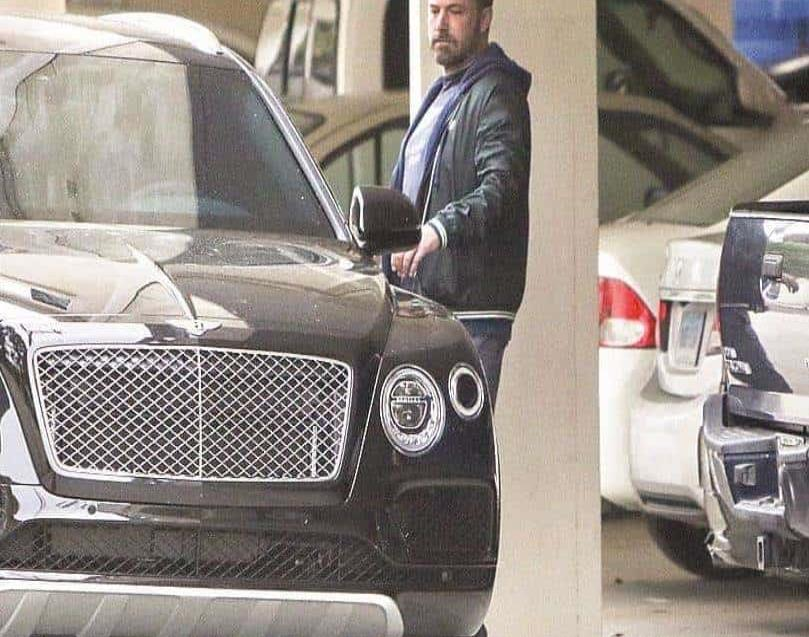 AUTO. Jennifer le dio a su ex Ben Affleck un Bentley.