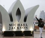 Colocan monumento en Londres en honor a Michael Jackson