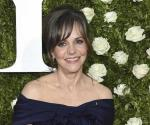 Confiesa Sally Field que sufrió abuso sexual