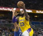 Orlando Frena a Lakers
