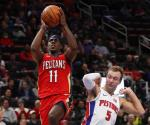 Holiday anota 37 y Pelicans se impone
