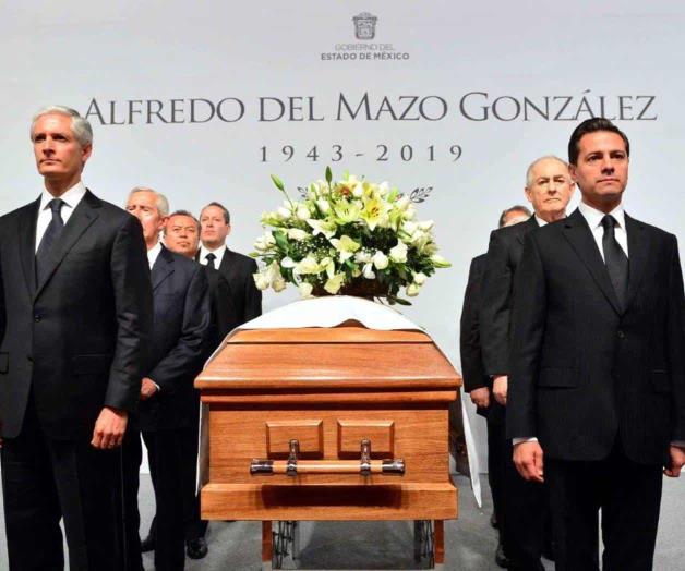 Realiza Peña Nieto guardia de honor