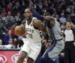 Giannis y Middleton dan triunfo a los Bucks