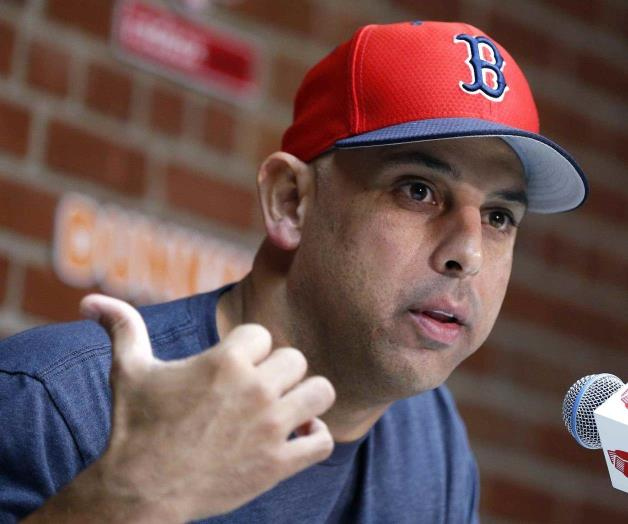 Despide Boston a Alex Cora