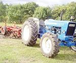 TRACTOR AGRICOLA, FORD,